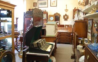St Crispin Antiques & Collectors Centre