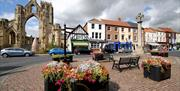 An image of the centre of Howden, showing the market cross